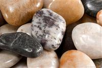 Mixed decorative pebble