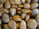 High-polished decorative pebble