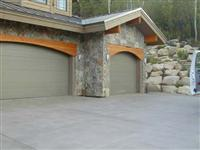 Exterior Stone Antelope Moss House  0347