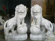 White marble Lions statues
