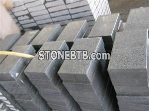 G654 Bush hammered cubes with attractive prices