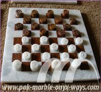 CHECKER/DRAUGHT CARVED ONYX
