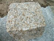 G682 Natural Split Granite Cobble Stone