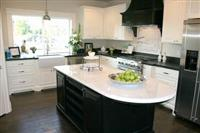Solid and Natural Countertops with Polished Surface